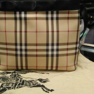 Burberry bag t031